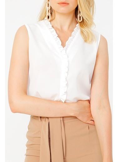 Random Kadın Fırfır Detaylı Kolsuz Bluz Beyaz